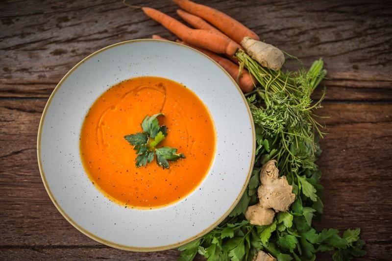 κοτοσουπα-καρότο-τζίντζερ